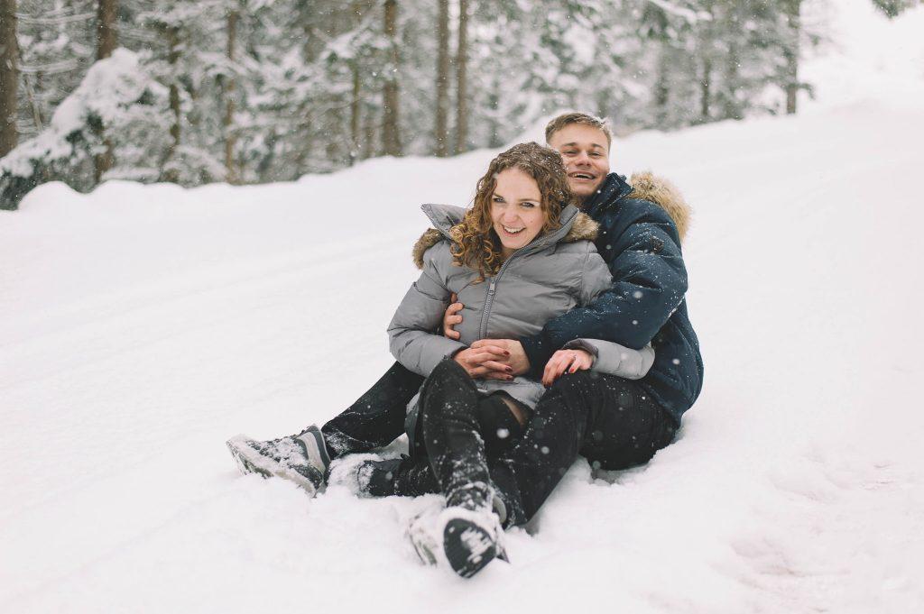 1_sesja narzeczeńska w Szczyrku zimą (2)