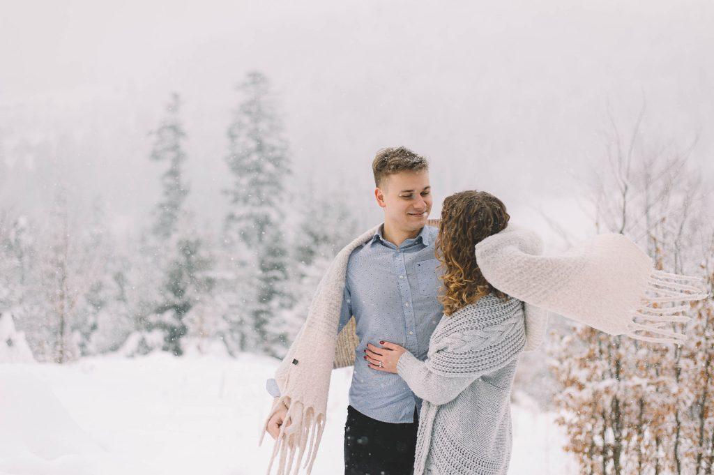 3_sesja przedślubna w zimie (2)
