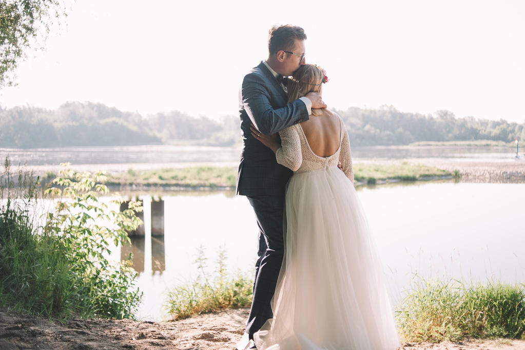 Sesja po ślubie nad Wisłą